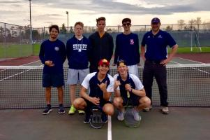 The 2018 boys' tennis team.